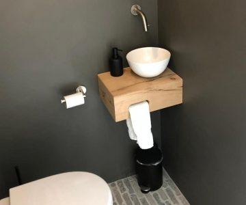 Stoer toilet muur verf